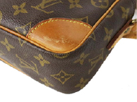 四隅はバッグでダメージを受けやすい部位です。